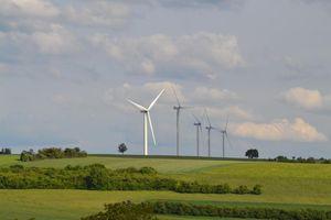 Les éoliennes dans le vent ?
