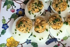 Mimosa eggs with tuna and chives - Gluten free