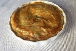 Duck, raisins and apple tourte