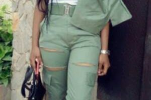 What do you think about how this female corp member wore her NYSC Khaki