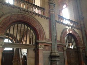 la chapelle et ses entrée