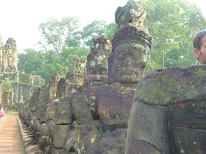 Le Bayon is watching you