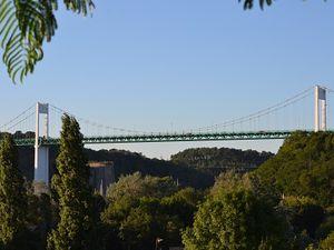 En allant vers ce pont si connu...