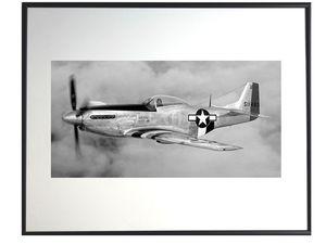 photo-de-north-american-P-51-D-mustang-dans-la-couche-nuageuse-AV1181