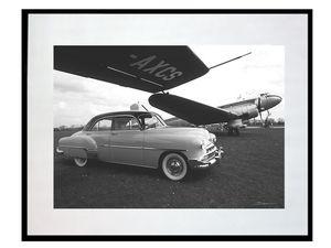 photo-de-vehicule-ancien-et-avion-douglas-dc-3-LO0163
