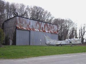Autre question, que va t-il également advenir des hangars allemands, il y avait le projet de les classer??