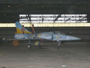 En provenance de base fermé récemment le Sepecat Jaguar A151, anciennement Varennes sur Allier, et ce Dassault Mirage 2000C qui serait un fake en provenance de Dijon. (Photos: Laurent Lamouche)