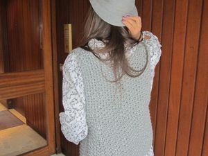 Chapeau: Lafayette ~ Tunique: Petite boutique sans nom ~ Gilet: fabrication artisanale ~ Legging: Zara ~ Ceinture: Bershka ~ Bottes: Imitations Ugg