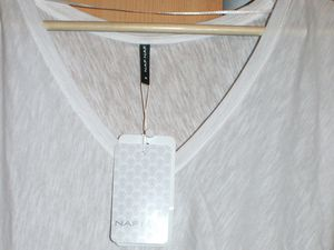 T-shirt Naf Naf blanc chiné T. 40 : 8 euros
