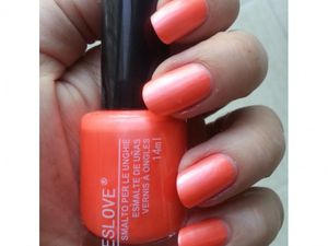 des vernis Yes Love Corail couleur de l'été 2014 ou des nouvelles couleurs rouges intenses Yes Love