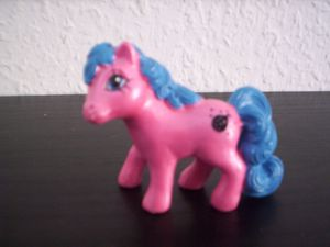 C'est une figurine produite par Hasbro, datant de 1987 et découverte par ma soeur dans une bourse d'échange.