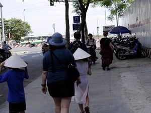 VILLES, VILLAGES, TROTTOIRS &amp&#x3B; HABITATIONS DU VIETNAM