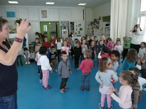 Assembly with Lizzie, our english assistant: time for SONGS