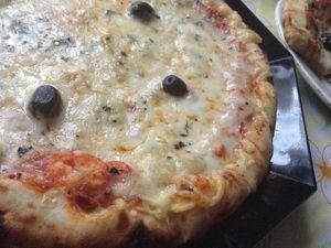 Pizza aux quatre fromage