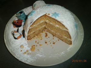 Gâteau d'anniversaire Igloo en pâte à sucre