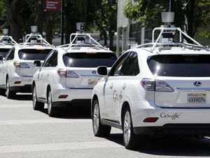 Google Car...premier accident responsable !
