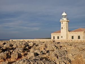 Le phare de PUNTA NATI, pas très loin de la ville de Ciutadella.....
