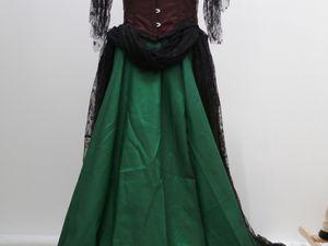 &quot&#x3B;Poison Ivy&quot&#x3B; au gala de Gotham