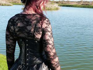 &quot&#x3B;The black dress&quot&#x3B;