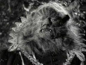 La Belle et la Bête est un film réalisé par Jean Cocteau, sorti en 1946.
