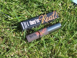 Oh encore un mini mascara The real de Benefit!! Bon OK, il est super mais pas 2 fois...