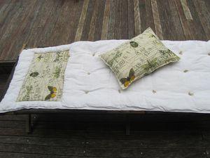 Matelas et coussin pour lit picot