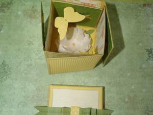 papiers Narcisse délice, Vert Olive et de la série Design&#x3B; sets de tampons Voeux mignons et Bright Blossoms&#x3B; marqueurs Stampin'Write Narcisse Délice,Vert OIive et tarte au potiron&#x3B; plioir Bouquet élégant&#x3B; perforatrice Pivoine&#x3B; peinture chatoyante Brume de champagne&#x3B; encre Narcisse délice&#x3B; Sizzlits Rameau d'olivier&#x3B; Embosslits Ailes magnifiques.