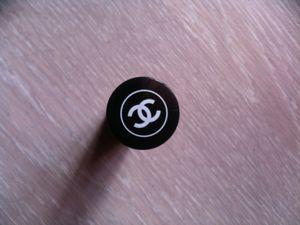 Enfin reçu ce petit bijou de chez Chanel !