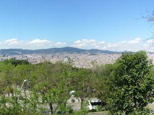 Les vues de Barcelone, du Montjuic, du Park Guell ... Le stade Olympique, les plages de Barcelone depuis la mer, l'incoutournable Sagrada Familia ...