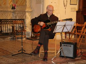 Lectures: Yvonne et Yves, guitare: Jean Paul