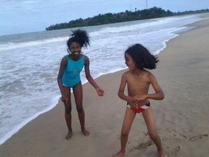 c'est toujours la mer, la plage mais rien n'est pareil. Ici point de lagon pour calmer la fureur de l'Océan Indien !
