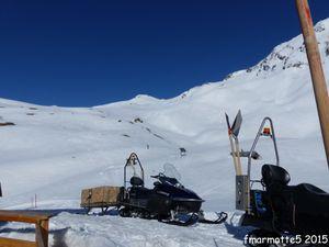 Montée au refuge de la Blanche 2500 m. Ski de rando en Queyras.