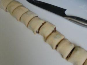 Escargots briochés, crème pâtissière et raisins secs