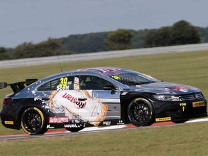 Alain Menu fait son come back en BTCC !