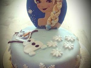 Gâteaux petit format ici un Union Jack et une nouvelle version du gateau Elsa la Reine des Neiges