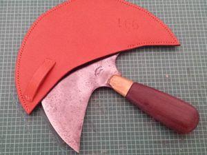 Etui pour couteau demi-lune en cuir
