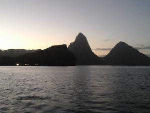 la montagne Pelée, Les pitons de Ste Lucie, au mouillage aux Saintes