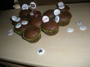 Joyeux anniversaire Badges Folie !!