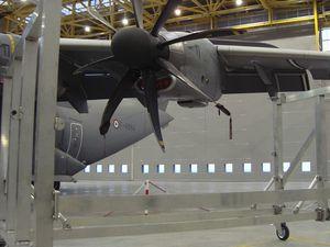 Construction d'une plateforme pour la maintenance de l'Atlas par les ateliers de réparation de l'armée de l'air