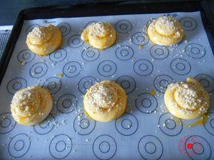 Escargots briochés (pâte magique)