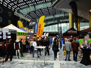 A gauche: Marathon Sport Expo. A droite: le Beurs World Trade Center