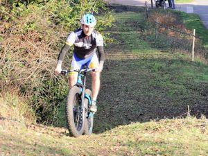 1ere course: Arnaud contre Lucas/Utopie victoire d'Arnaud