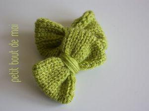 Noeud en laine tricoté en jersey 6x4 cm vendu 1.50 euro par 2