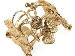 Je les aime toutes. De haut en bas : Aurélie Bidermann, Hermès, Gucci, Claude Lalanne (pièce vintage), Dior, Henri J. Sillam, Ipanema.