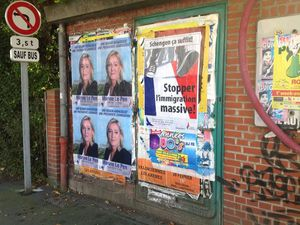 Opération « collage » dans la 20e circonscription