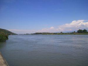 A Livron je suis dans les temps et sur le Rhône c'est tempête de ciel bleu.