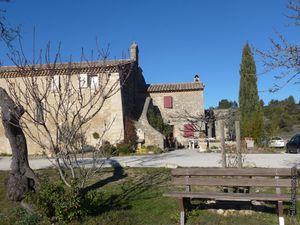 La chapelle Saint Symphorien de Vernègues (dans le 13)