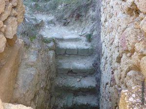Vernègues et les ruines du vieux village / Balade dans le 13