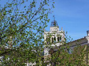 Le clocher vu de différentes rues de la ville