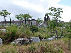 Un aperçu du jardin au bord du Dadou